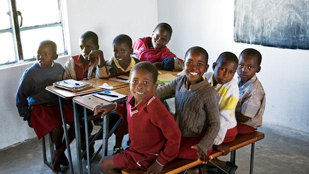 zimbabwe-village-primary-school-kids-t19080