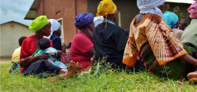 women-in-field
